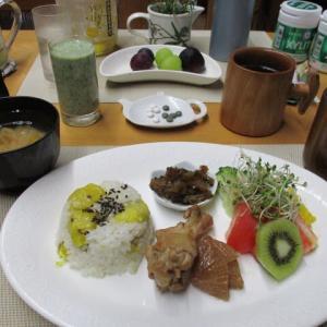 栗ご飯、手羽元煮、ゴーヤ佃煮で朝ごはん♪