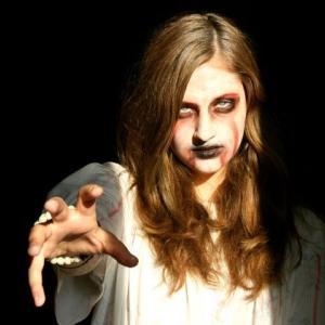 怖いけど見てみたくなる恐怖映画!死霊のはらわた