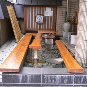 【磐梯熱海温泉 お美あしの湯】温泉旅館が無料で開放する足湯