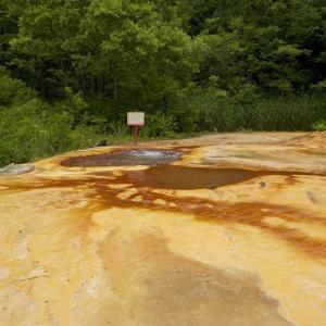 【奥奥八九朗温泉】有名な天然ジャグジーの野湯