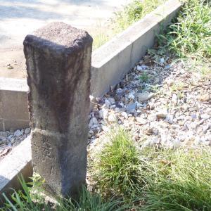 米本地域散歩 ⑧ 松輪の石造物群から「すわり地蔵」へ