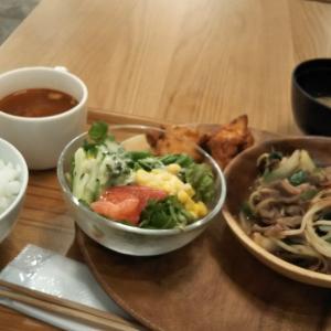 mujiカフェにて 今日のお一人様晩ご飯