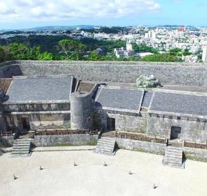 聖域に造営された按司の墓16 最新の按司墓 玉陵