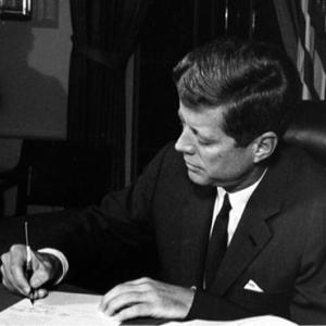1962年 #10月23日 にキューバ危機でアメリカが海上封鎖宣言。
