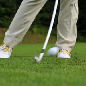 マットではなく芝から打てるゴルフ練習場【関東版】