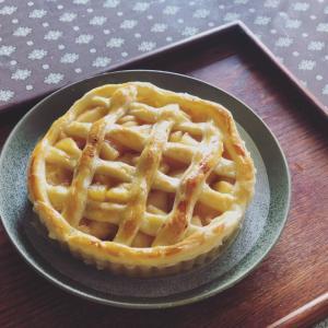 絵本のアップルパイ焼いた