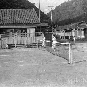 日曹飯豊のテニスコート