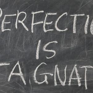 完璧主義者ほど稼げない3つの理由【悩んでブログも書けない】