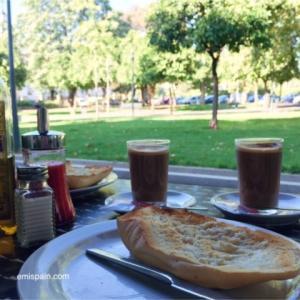 コルドバのカフェで朝ごはん2♪緑いっぱいのテラス席で朝食が食べられる5店