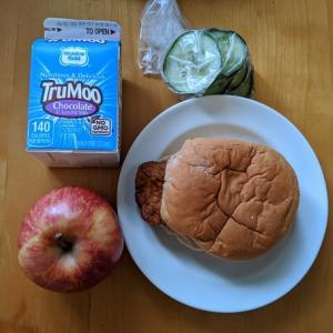 アメリカで自宅待機生活:毎日の無料食事提供。子育て世代家庭への支援が手厚い!