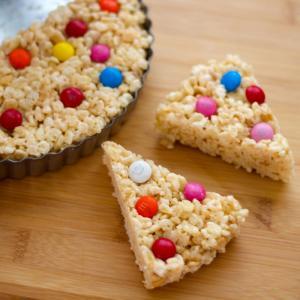 材料三つ!電子レンジでできるアメリカのお菓子☆ライスクリスプ・バーの簡単レシピ。