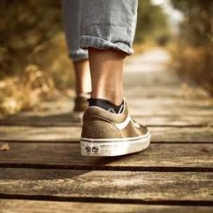 「道を踏み外す」を英語で表現する(1)