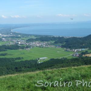 男鹿半島で見た日本海、静かで雄大な景色に圧倒されました。