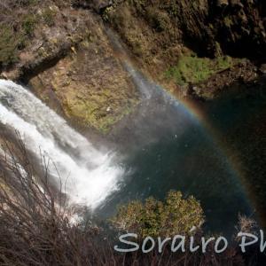 静岡県富士宮市の名滝、虹の架かる白糸の滝と音止滝に癒やされました。