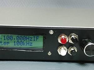 「エアバンドレシーバーキット+外部デジタル局発」を一つのケースに入れました。 I had installed recerver kit and digital local oscillator into the case.