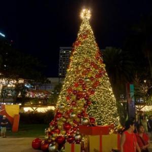 ルミナリエには負けるけどフィリピンのきらきらクリスマス
