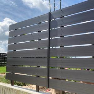 リサイクル素材樹脂フェンス施工
