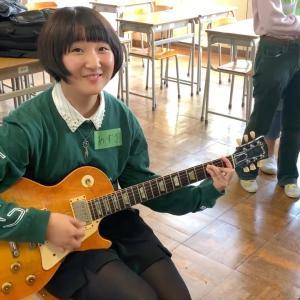 初めてヴィンテージギターを弾いた高校生の素直な反応 Gibson Lespaul J-45 ES-125 Fender Stratocaster タメシビキ!
