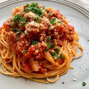 【苦手克服?!セロリレシピ】セロリを使ったトマトソースのパスタです♪