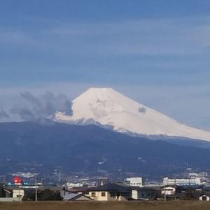 【ヤッパリこうでないと】冠雪した富士山