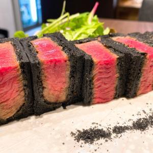 中崎町 八寸(はっすん)-輝くお肉の断面!黒と赤のコントラストで彩られた美味なるレアカツサンド