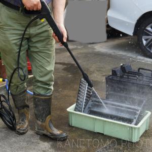 高圧洗浄機で銀塩処理機の清掃