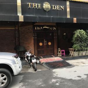 セントラルパタヤ中心でジェントルマンクラブを徘徊するモデルコース