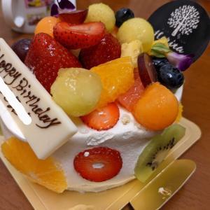 甘すぎず見た目もお洒落なホールケーキ(^^♪ Horita 205(2021)・金沢
