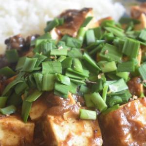 レトルトカレーをアレンジ!セブンイレブンのキーマで、麻婆豆腐カレーをつくる