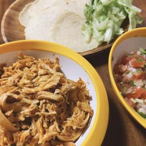 【簡単レシピ】タコスシーズニングをつかって、チキンタコスを手軽につくる方法