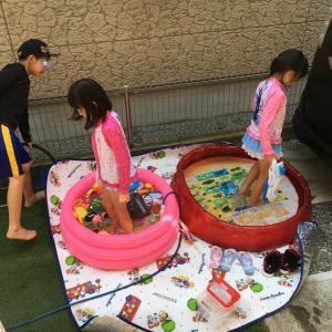 暑い時には水遊びが一番
