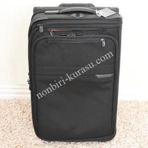 機内持ち込みサイズ。なのにスーツが3着も入るスーツケース。