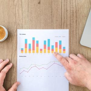 投資手法で短期トレードか中長期投資を選択する場合、どのような視点から考えれば良いのか?