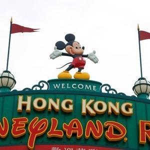 東京ディズニーリゾート vs 香港ディズニーランド!年末年始に混んでないのはどっち!?いくつかのデータから予想してみた!