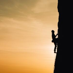 【ブログ】目標に向かって努力することで過去の自分を超えられる【がむしゃらに進んでみよう】