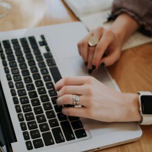 ブログ毎日更新4ヶ月のPV数と収益【継続できるコツを解説します】