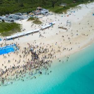 【与那覇前浜ビーチ】宮古島の海開きは、毎年4月の第1日曜日。