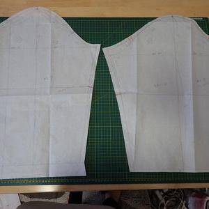綿入りコートの製図をする