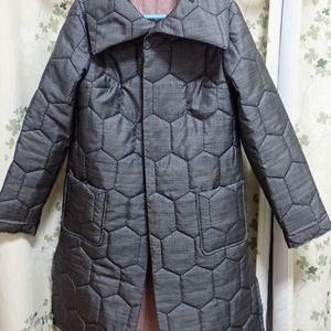 引き続き綿入りコートを縫う