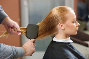 ヘアブラシで頭皮ケアとサラサラヘアにする方法!!