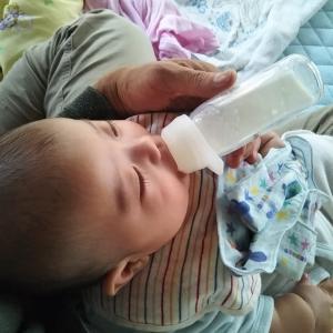 赤ちゃんの喉がゴロゴロ、これって喘息?原因と対策は?