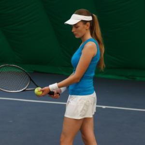初心者におすすめのテニスの練習方法と上達のポイント