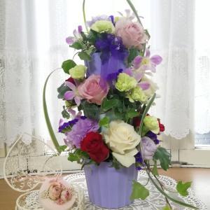 ブルーの花器に惹かれて
