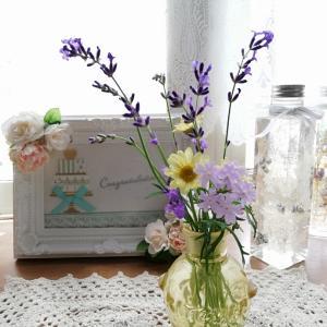 キッチンにあるモノを花瓶に。。。