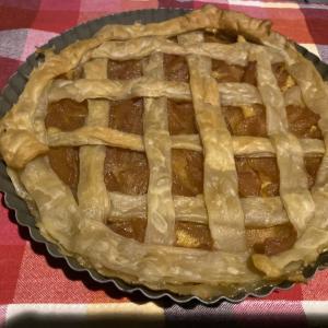 ダッチオーブンでアップルパイを作ってみよう!(キャンプご飯)