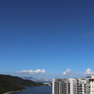 **香港ライフ**海と山とビル群