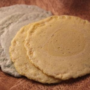 無印良品がコオロギ煎餅を発売 昆虫食って美味しいの?