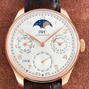 「クオーツ」?「機械式」? 腕時計のムーブメントの違い