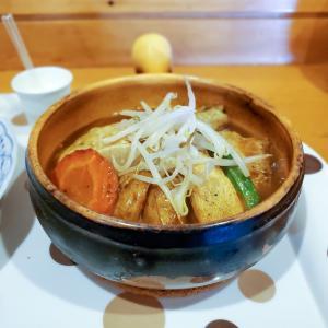 野菜の旨味を味わうスープカレー「健康的カレー専門店 とら 」