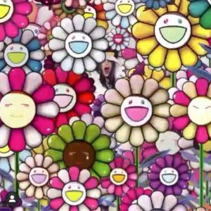 【5月25日(月)発売】ビリーアイリッシュ×村上隆 UNIQLO スペシャルコラボ 先行オンライン販売